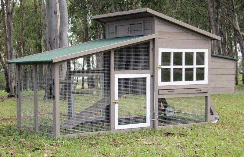 Large Chicken Coop - W109